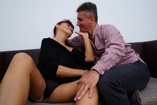 Mature Sex Meets With MILFs, Mums, Grannies and more